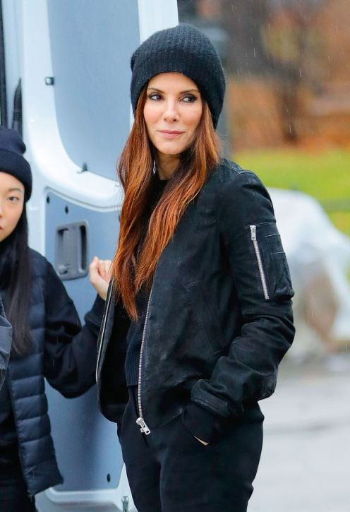 Sandra-Bullock-on-the-film-set-for-Oceans-8-in-NYC