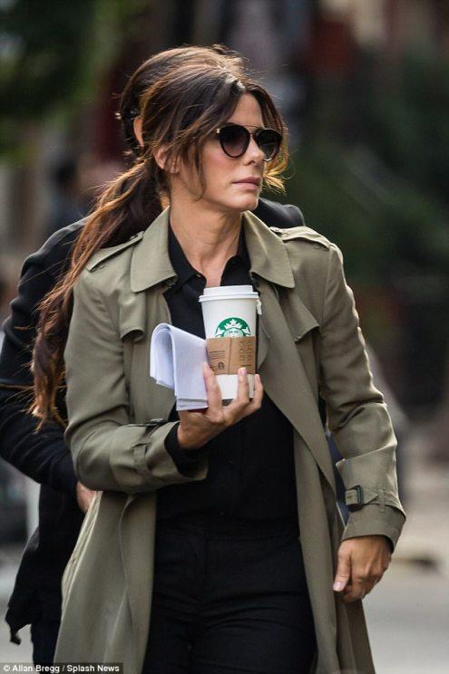 Sandra Bullock Outfit 1